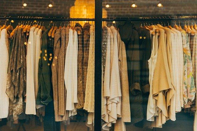 Eladó használt ruhák